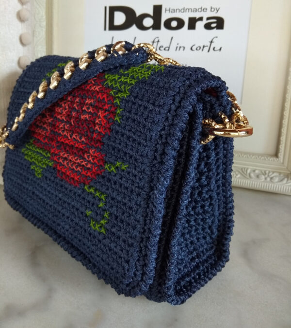 Ddora handmade crochet handbag Phaedra in blue